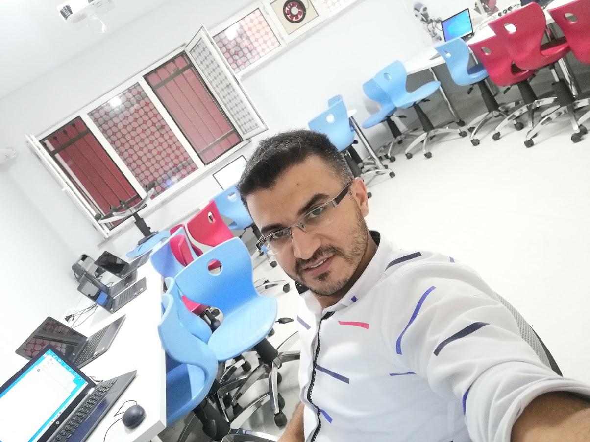 Bilişim Teknolojileri Öğretmeni